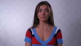 美女哭泣 泪花在面颊流动 r 股票视频
