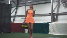 美女网球员高兴胜利 影视素材