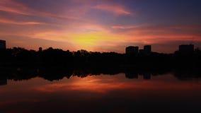 美好与云彩的日出和天空 免版税库存图片