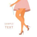 美好女性腿佩带玫瑰色 库存图片