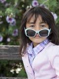 美好小女孩微笑 免版税库存图片