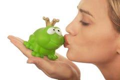 美好是青蛙亲吻了夫人价格 库存图片