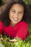 美好混合的族种非洲裔美国人女孩微笑 库存图片