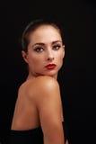 美好的与红色明亮的嘴唇的构成女性模型 免版税库存图片