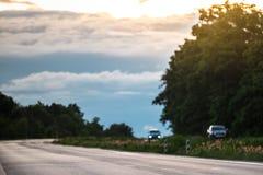 美好的乡下日路夏天 库存图片
