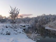 美好的冬天landscape.3d图象 在日落的天空 库存照片