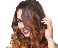 美好的发型现代妇女年轻人 免版税库存图片