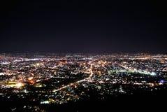 美好的城市例证横向晚上 免版税库存图片