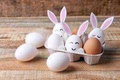 美好的复活节构成用白鸡蛋 免版税库存图片