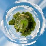 美好的夏天农村风景,微小的行星 免版税库存图片