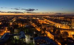 美好的夜都市风景在特维尔 库存照片