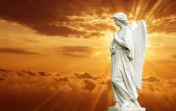 美好的天使雕象  免版税库存照片