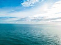 美好的天蓝色的位子,黑山鸟瞰图  免版税库存图片