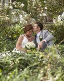 美好的夫妇在他们的婚礼之日 免版税图库摄影