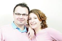 美好的夫妇愉快的微笑的年轻人 库存图片