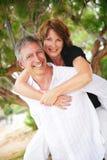 美好的夫妇爱成熟 免版税库存图片