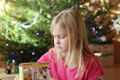 美好的女孩作用 免版税库存照片