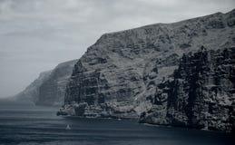 美好的山峰Los Gigantes在特内里费岛 横向山tenerife 免版税图库摄影