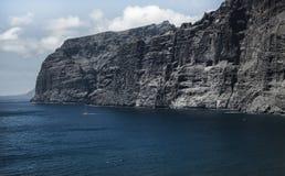 美好的山峰Los Gigantes在特内里费岛 横向山tenerife 图库摄影