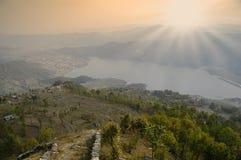 美好的山风景在尼泊尔 免版税库存图片