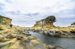 美好的岩层在和平海岛,基隆, 免版税库存图片