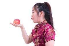 美好的年轻亚洲女服汉语画象穿戴tradi 免版税库存照片