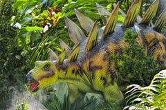 美好的恐龙雕塑 库存照片