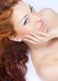 美好的接近的头发的夫人红色 库存图片