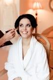美好的新娘婚礼构成和发型 免版税库存图片