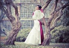 美好的新娘礼服婚礼 免版税库存图片
