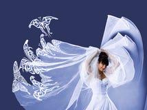 美好的新娘蝴蝶白色服装 免版税库存照片