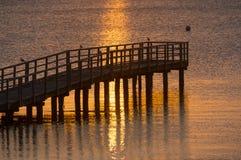 美好的日出在安静的海的夏天 免版税图库摄影