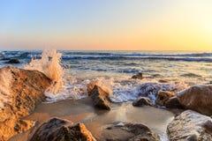 美好的日出风景看法在海上的 库存图片