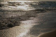 美好的日落全景在海洋的 免版税库存照片