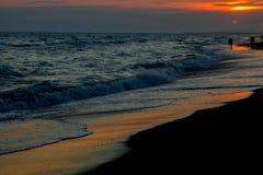 美好的日落全景在海洋的 免版税库存图片