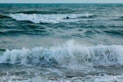 美好的日落全景在海洋的 免版税图库摄影