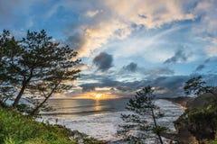美好的日落和海岸线在南部鹿儿岛,九州, J 免版税库存图片