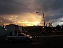 美好的日落在危地马拉 免版税库存图片