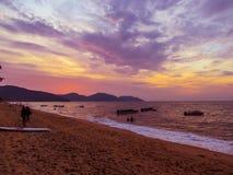 美好的日落在槟榔岛,马来西亚 库存图片