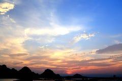 美好的日落在puzhehei县,云南,瓷 免版税库存图片