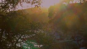 美好的日落颜色在村庄桑特安东尼de卡隆赫,托尔瓦莲京娜附近的西班牙布拉瓦海岸 影视素材