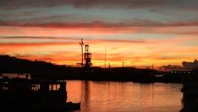 美好的日落从港口尼斯五颜六色的天空夺取了 库存照片