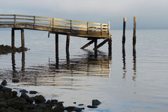 美好的早晨光的老船坞 免版税库存照片