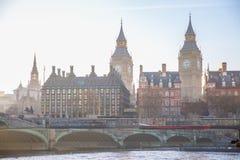 美好的早晨的多重曝光图象在威斯敏斯特桥梁的 伦敦英国 库存图片
