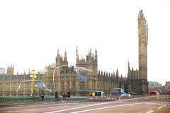 美好的早晨的多重曝光图象在威斯敏斯特桥梁的 伦敦英国 免版税库存照片