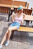 美好的时装模特儿深色的妇女夏天心情偶然collec 库存图片