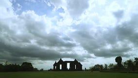 美好的时间间隔录影在巴兰班南寺庙公园 股票视频