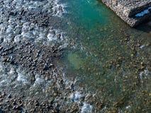 美好的明亮的不同的山风景 山河快速地流经山岩石乌克兰 图库摄影