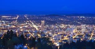 美好的晚上俄勒冈波特兰远景 库存照片