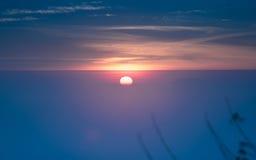 美好的有雾的日出风景早晨 库存图片